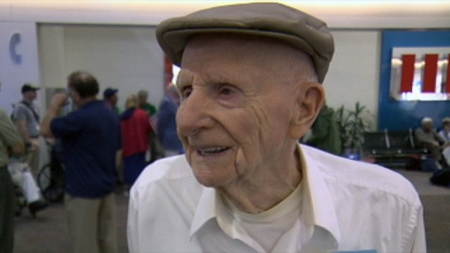 David Jarvis of Mauldin, who served in the Navy during World War II, flew to DC with the Honor Flight on Tuesday. (Sept. 18, 2012/FOX Carolina)