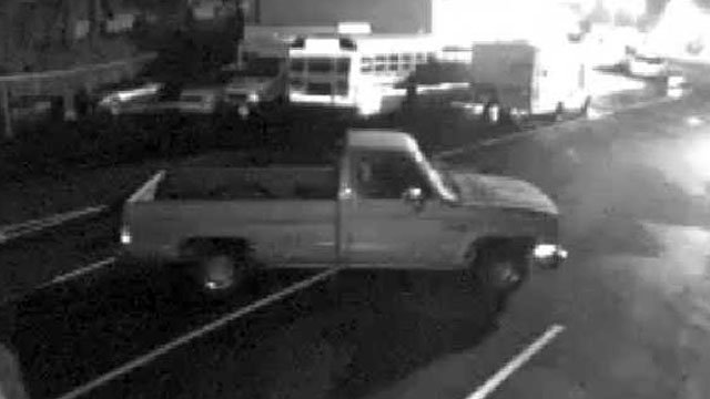 Deputies said they believe the person driving this truck stole $5,000 worth of rims from an Anderson car lot. (Sept. 16, 2012/Anderson Co. Sheriff's Office)