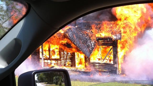 An iWitness photo of the building fire along Morning Circle in Spartanburg. (Sept. 25, 2012/Courtesy B. Ramirez)