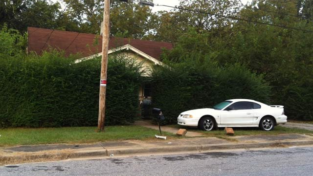 The Pine Street home where police found the drugs, guns and made two arrests. (Sept. 28, 2012/FOX Carolina)