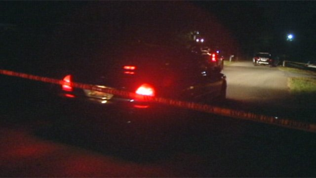 Deputies investigate a fatal home invasion along Shirley Circle in Anderson. (Sept. 29, 2012/FOX Carolina)
