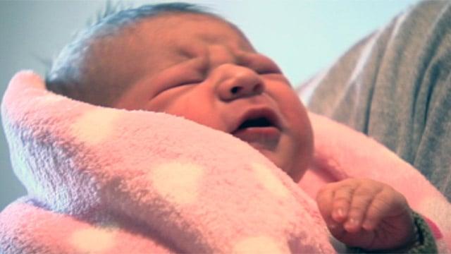 Clayton Holder holds is baby daughter Joanna. (Oct. 11, 2012/FOX Carolina)