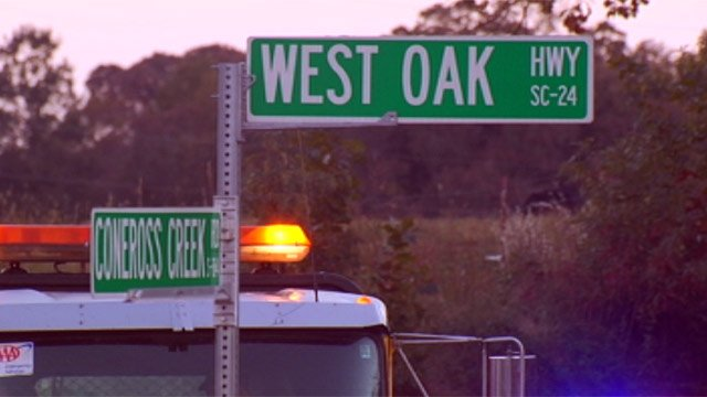 The crash happened on West Oak Highway where Hunt and Coneross Creek roads intersect. (Oct. 21, 2012/FOX Carolina)