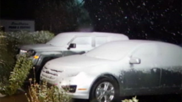 Snow blanketed parts of Mars Hill by Tuesday morning. (Oct. 30, 2012/FOX Carolina)