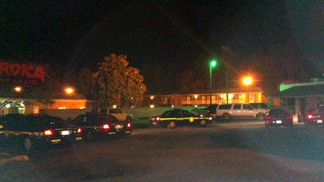 Deputies respond to Club LaRoka on Pleasantburg Drive. (Nov. 9, 2012/FOX Carolina)