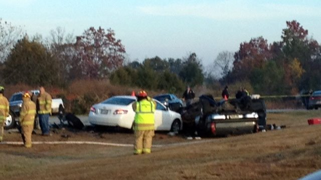 Several cars were involved in the fatal wreck along Highway 11 at Bruce Road near Westminster. (Nov. 16, 2012/FOX Carolina iWitness)