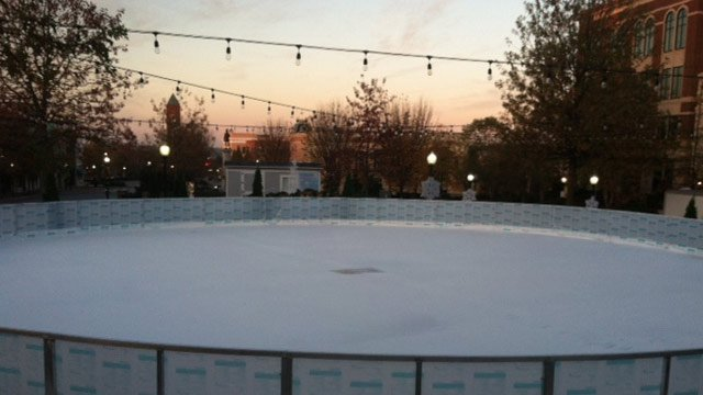 Skating on the Square is ready for ice skaters in downtown Spartanburg. (Nov. 16, 2012/FOX Carolina)