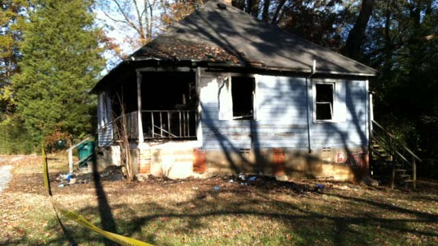 The fire-damaged home on Towne Street. (Nov. 17, 2012/FOX Carolina)