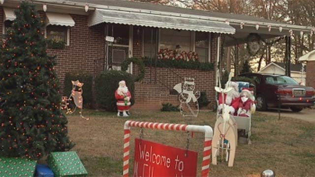 Ellen Horton's decorated yard is now missing several items. (Nov. 26, 2012/FOX Carolina)