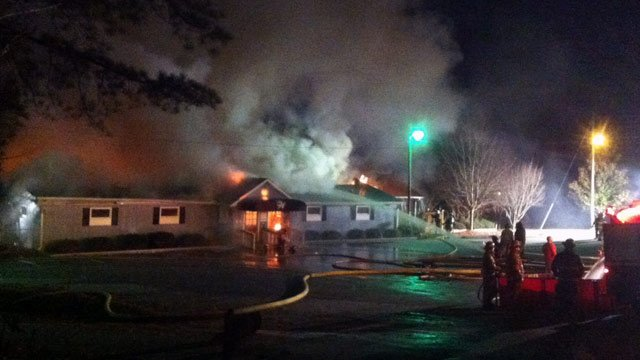 Firefighters battle smoke, flames at Weinacker's Restaurant on Coneross Creek Road. (Nov. 28, 2012/FOX Carolina)
