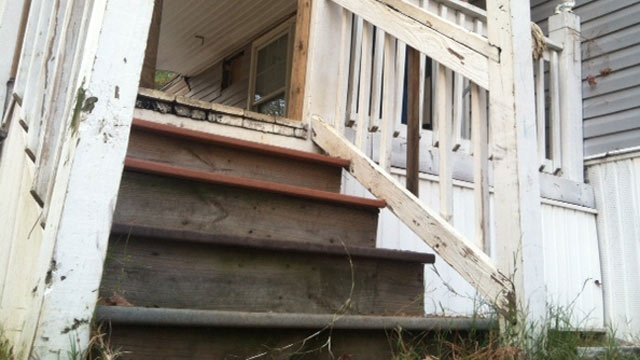 The porch steps where homeowners say they found severed dog heads two days last week. (Nov. 30, 2012/FOX Carolina)