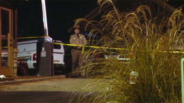 Deputies investigate the fatal shooting of Clemson student at the Homes of Chimney Ridge over the weekend. (Dec. 9, 2012/FOX Carolina)