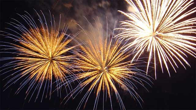 Fireworks go off across the globe as each time zone rings in the New Year. (File/Wikimedia Commons)