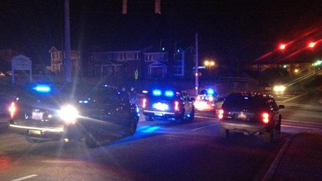 Police and deputies discover gunshot victim along Arch and Howard Streets in Spartanburg. (Jan. 1, 2013/FOX Carolina)