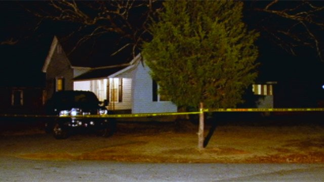 Police say they found the wife's body inside this Lee Street home Sunday night. (Jan. 6, 2013/FOX Carolina)