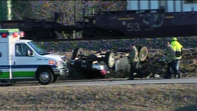 Emergency crews along Tucapau Road at Syphrit Road in Wellford where the crash happened. (Jan. 24, 2013/FOX Carolina)