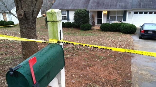 The Fernwood Drive home where Greer police say a man was shot Friday morning. (Jan. 15, 2013/FOX Carolina)