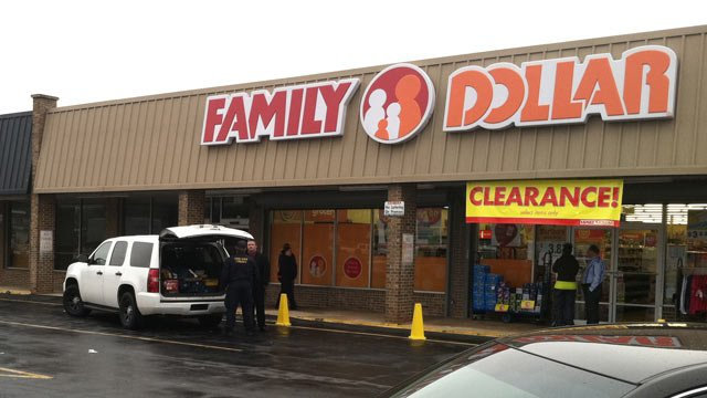 Police investigate an armed robbery at the Family Dollar on River Street. (Jan. 28, 2013/FOX Carolina)