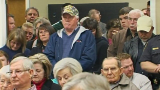 Hundreds gathered to share their opinion on the nondenominational prayer issue. (Jan. 28, 2013/FOX Carolina)