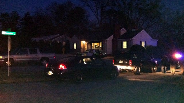 Deputies investigate a robbery at a real estate office in Spartanburg. (Feb. 1, 2013/FOX Carolina)
