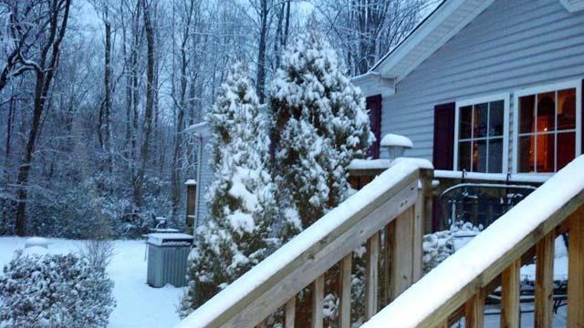Sylva saw a decent amount of snow accumulate Saturday afternoon. (Feb. 2, 2013/FOX Carolina iWitness)