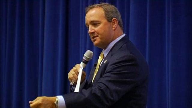 U.S. Rep. Jeff Duncan, R-Laurens, speaks to students at an Upstate school. (File/FOX Carolina)