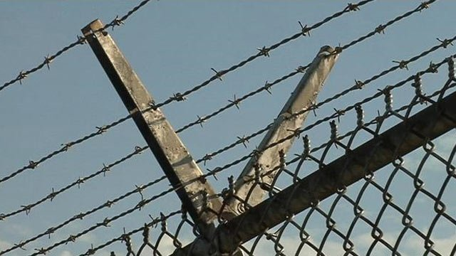 Barbed wire fence surrounds an Upstate jail. (File/FOX Carolina)