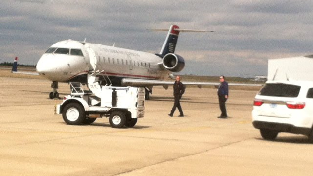 The diverted US Airways plane lands at GSP. (Mar. 1, 2013/FOX Carolina)