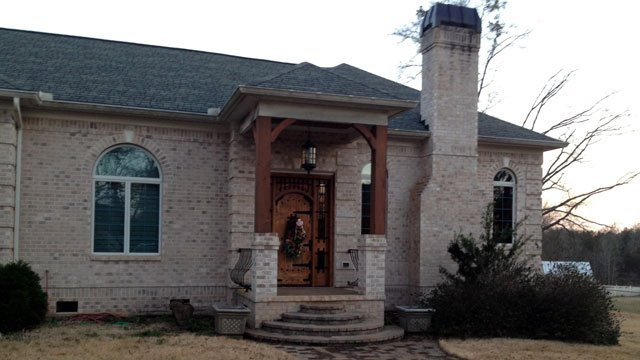 The entrance to the home of Ronnie Wilson, which has been seized by the government. (March 7, 2013/FOX Carolina)