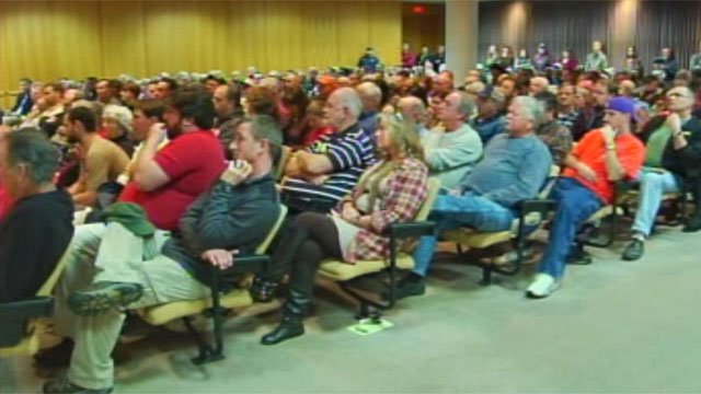 Crowds packed out the hearing on the proposed bill at Greenville County Square Monday night. (Mar. 11, 2013/FOX Carolina)