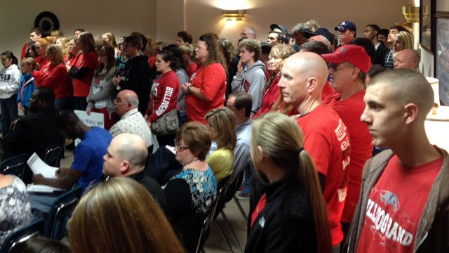 Dozens of people pack a meeting of the Spartanburg County District 2 School Board. (March 12, 2013/FOX Carolina)