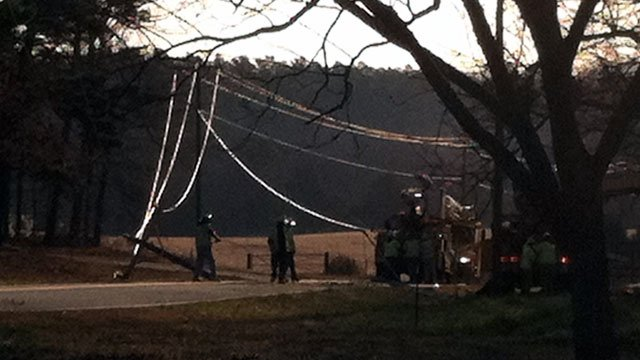 The downed power lines across Highway 86 near Wren High School. (Mar. 15, 2013/FOX Carolina)