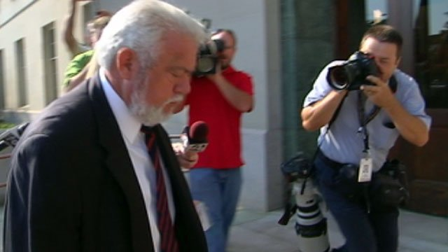 Ronnie Wilson enters the Federal Courthouse in Greenville. (July 30, 2012/FOX Carolina)