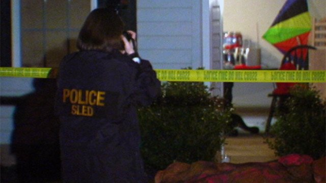 SLED agents investigate the officer-involved shooting on Pleasant Oak Ct. in Greer. (Mar. 18, 2013/FOX Carolina)