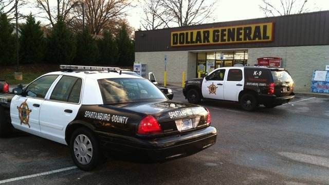 Deputies search for a robber after a Dollar General employee was robbed Monday morning. (Mar. 25, 2013/FOX Carolina)