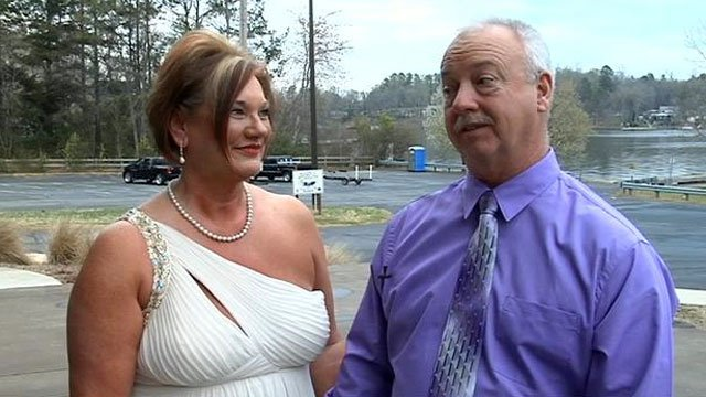 Debbie and Donnie Carver talk about how they met after their Easter wedding. (March 31, 2013/FOX Carolina)