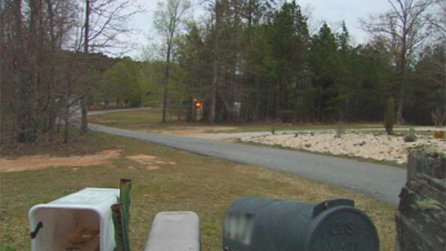 The driveway of the Baywood Circle home where deputies say Barbara Campbell was shot. (Apr. 3, 2013/FOX Carolina)