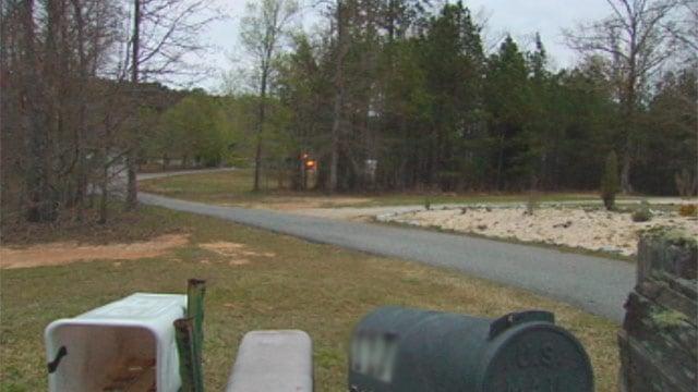 The driveway of the Baywood Circle home where deputies say Barbara Campbell was shot. (Apr. 3, 2013/FOX Carolina)