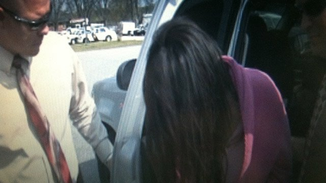 Tongela McBride arrives at the Anderson Co. Sheriff's Office. (Apr. 9, 2013/FOX Carolina)