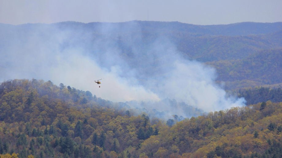 Helicopters were brought in to fight the brush fires. (Apr. 26, 2013/FOX Carolina iWitness L. Vaughan)