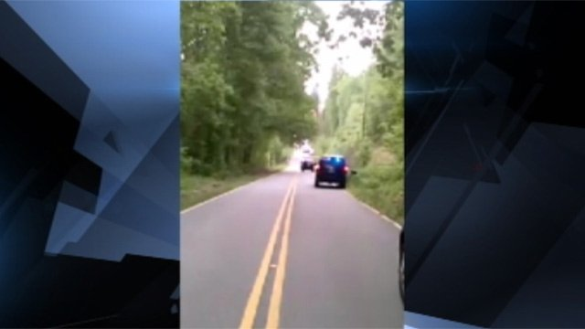 Anderson Co. deputies at the scene of the officer-involved shooting. (May 2, 2013/FOX Carolina iWitness)