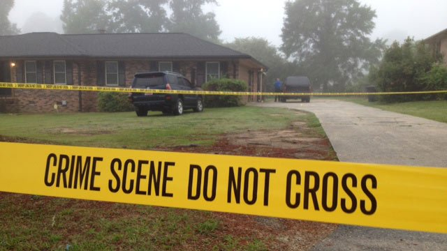 Deputies roped off the Loblolly Drive to investigate the man's death. (May 20, 2013/FOX Carolina)
