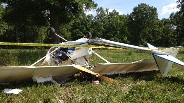 An ultralight plane crashed in Fountain Inn. (May 27, 2013/FOX Carolina)