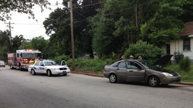 Greenville police investigate the wreck. (June 10, 2013/FOX Carolina)