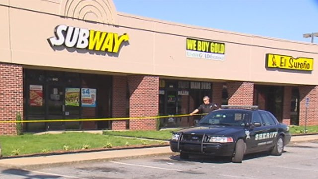 Deputies had the Subway robed off after the robbery. (June 13, 2013/FOX Carolina)