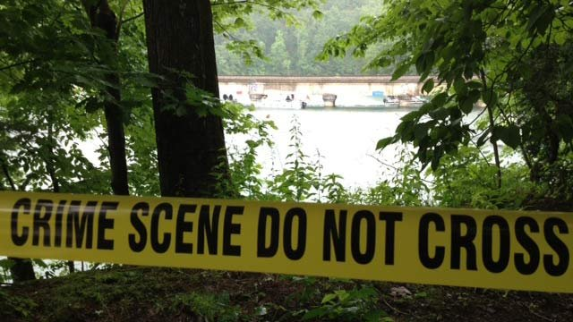 Rescuers search for a teen in Lake Summit. (6/18/2013 FOX Carolina )
