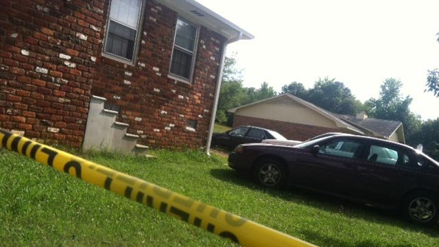 Deputies investigate a shooting in Wellford (June 19, 2013/FOX Carolina)