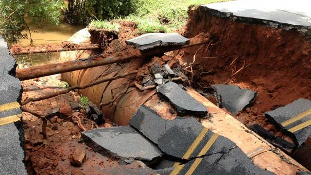 Sinkhole caused by flooding on Monday (Photo: FOX Carolina)
