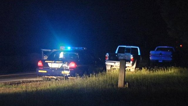 Greenville County deputies respond to where they say the woman was stabbed. (July 17, 2013/FOX Carolina)