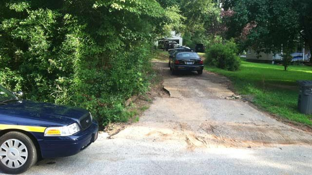 Deputies on the scene of the chase in Greenville Co. (July 22, 2013/FOX Carolina)